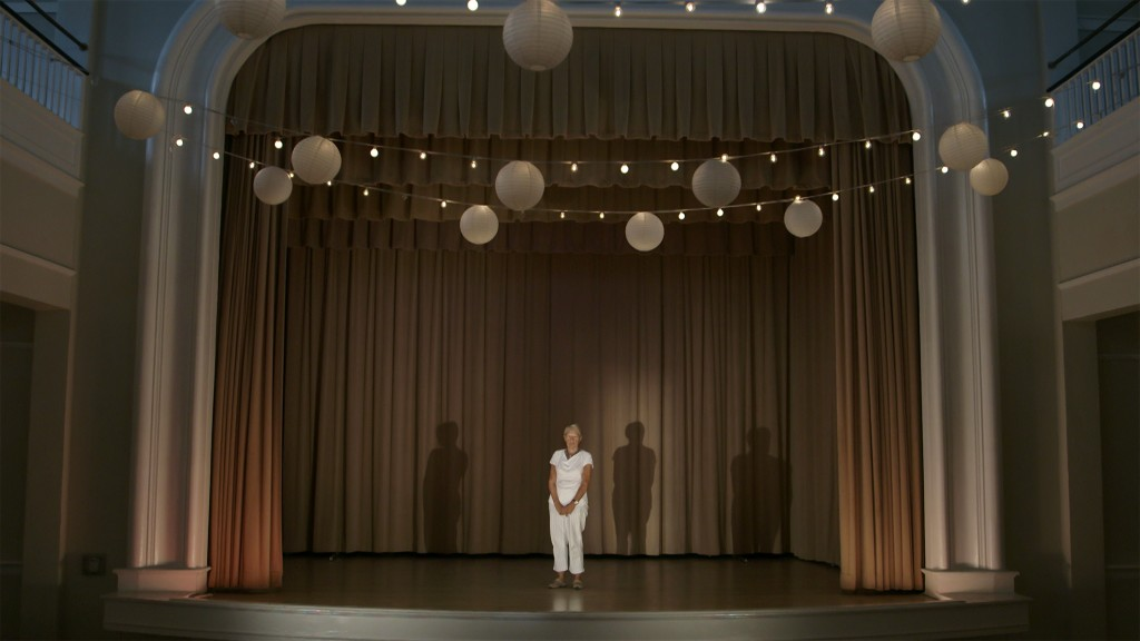 Jessica Hankey, Women's Club (act II), 12 min, HD video still, 2015.